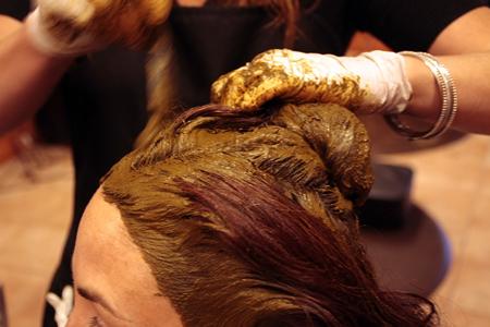 با فواید استفاده از حنا برای مو آشنا شوید