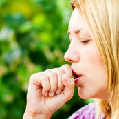 چگونه سرفه های آزار دهنده را درمان کنیم
