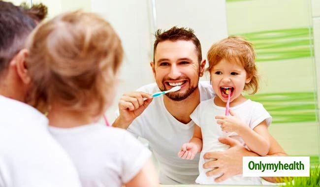 چگونه کودکان را تشویق به مسواک زدن کنیم؟