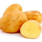 با سیب زمینی، لکه های قهوه ای و تیره پوست را از بین ببرید