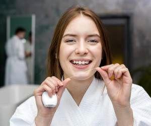 نحوه صحیح استفاده از نخ دندان را بدانید