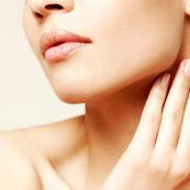 چگونه کرم مناسب برای پوست گردن بسازیم؟