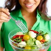 با تغذیه مناسب پوستی شاداب داشته باشید