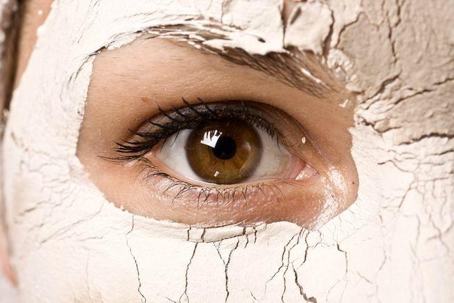 کرم دور چشم ضد چروک بسازید