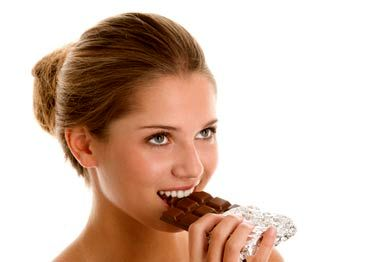 آیا شکلات سبب آکنه می شود؟