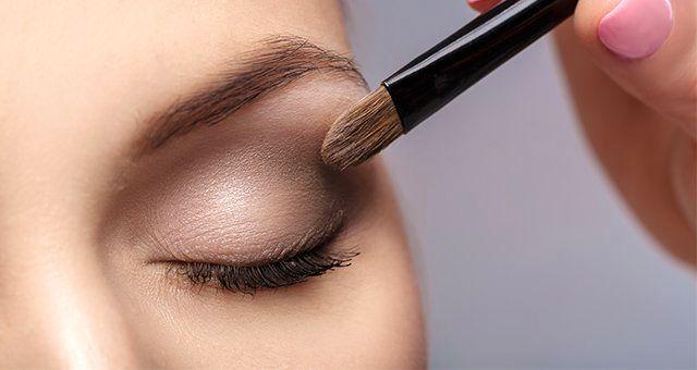 چطور چشم ها را با آرایش بزرگتر نشان دهید