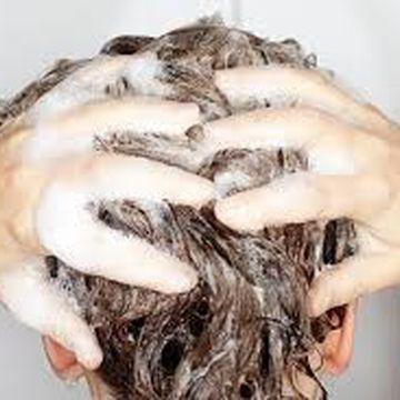 روش صحیح شستن موها را بدانید