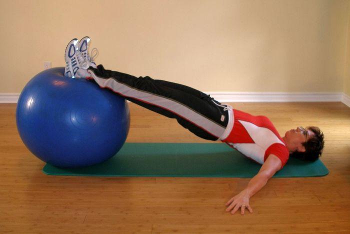 یک حرکت ساده برای تقویت عضلات همسترینگ