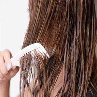 موهای خود را در حالت خیس شانه نکنید