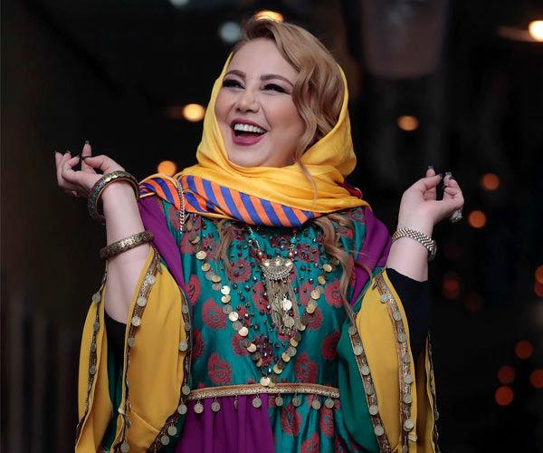 بی حجابی و لباس آستین کوتاه بهنوش بختیاری+عکس