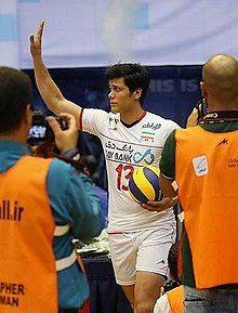 ستاره ورزش ایران با یک دختر در استخر +عکس18+