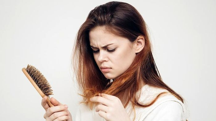علل طبیعی داخلی ریزش مو