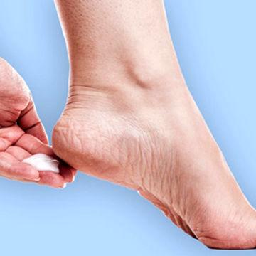 روش های طبیعی برای درمان ترک پاشنه پا