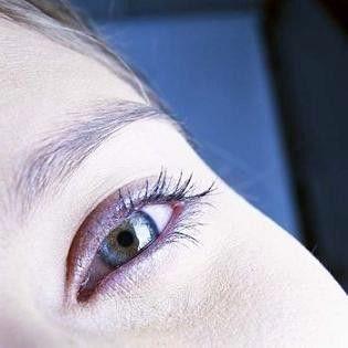 مزایا و عوارض لیفتینگ پلک چشم ها چیست؟