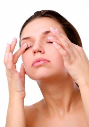 چه افرادی دارای بیماری لوچی چشم هستند؟