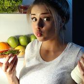 چه ارتباطی بین کالری و چاقی وجود دارد؟
