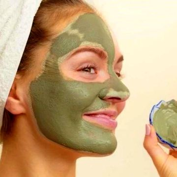 ساختن فوق العاده پوست صورت با خاک رس + روش