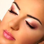 آیا افرادی که چشم های حساسی دارند، باید از آرایش صرف نظر کنند؟