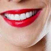 سفید کننده طبیعی دندان