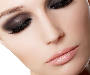 راز ماندگاری طولانی مدت آرایش چشم