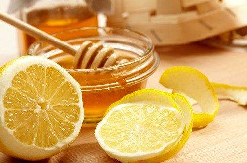 ترکیب لیمو و عسل برای رفع لک های پوست