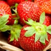 ماسک توت فرنگی برای داشتن پوستی صاف و شاداب