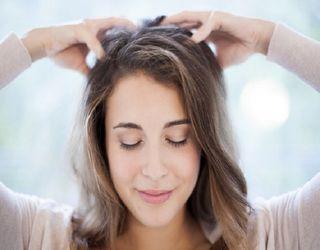 آیا شوره ی سر موجب طاسی و ریزش مو می شود؟