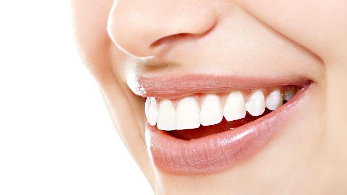 دندانهایی درخشان و محکم با خمیردندان خانگی